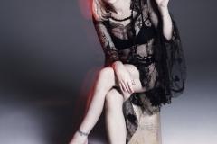 courtney-love-by-paola-kudacki-for-garage-magazine-fw-2013-14-2