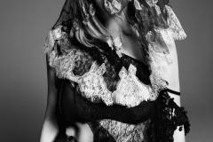 courtney-love-by-paola-kudacki-for-garage-magazine-fw-2013-14-4